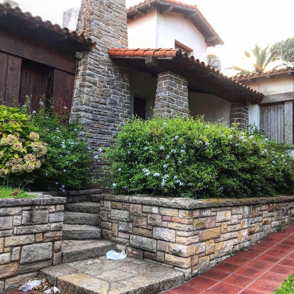 tradicional casa en playa grande // n° de ficha 20924