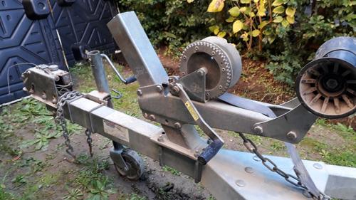 trailer con freno hidraúlico