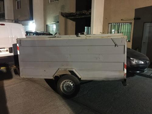 trailer con tapa y puertas