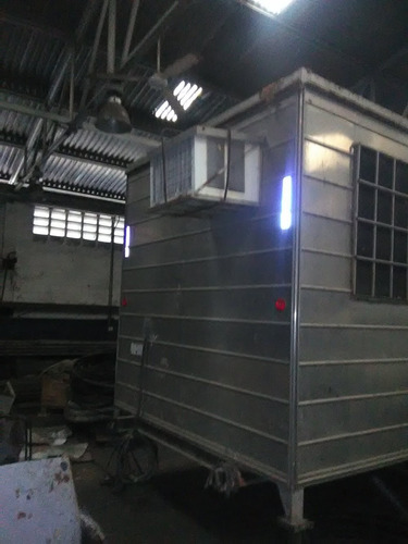 trailer oficina de 6x2  en buen estado incluye aire