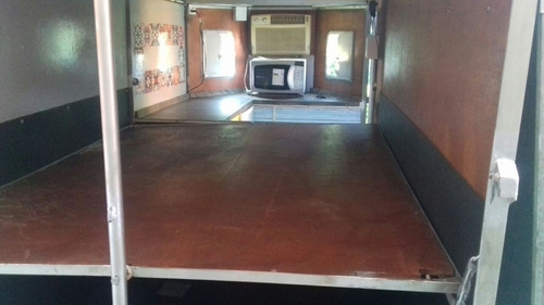 trailer p/2 cavalos c/ar cond. microondas e dormitório