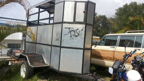 trailer para transportar caballos en excelente condiciones