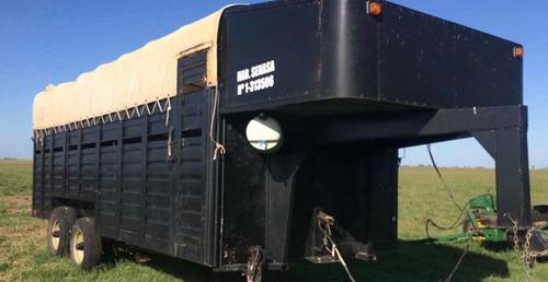 trailer para11 caballos. gomas nuevas , freno electrico