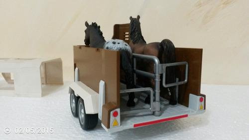 trailer schleich 1/18 con 2 caballos, marca alemana de nivel