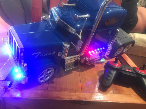 trailer, tractocamión color azul radio control con bluetooth