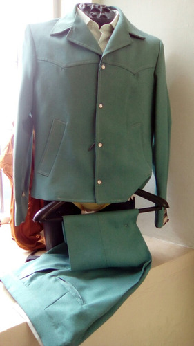 traje caporal tipico vaquero