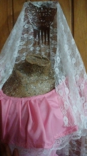 traje de dama antigua niña pollera blusa peinetón y mantilla