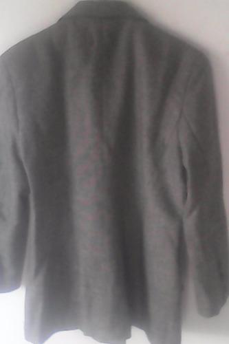 traje de lana saco y pollera tipo sastre.