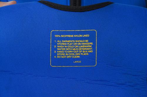 traje de neopreno de dos piezas,  cada pieza son de 6mm