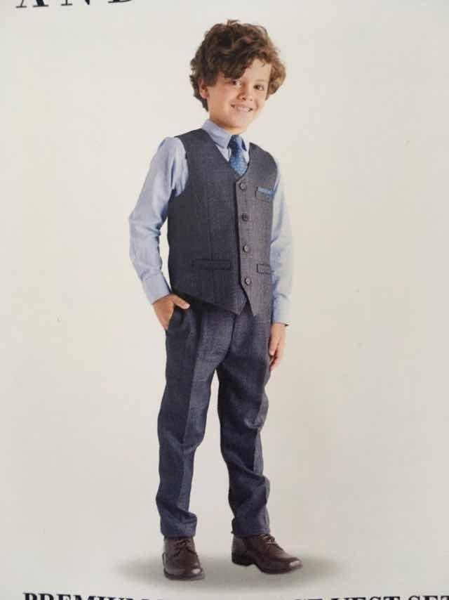 9cdaeebae08bd Traje Elegante Para Niños. Corbata Camisa Pantalon