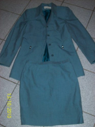traje formal verde la scala 38-40