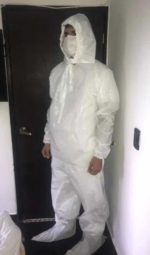 traje impermeable de protección blanco