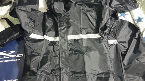 traje impermeable para motociclista