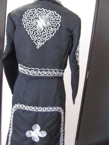 traje regional de charra mexicana dama negro o mariachi