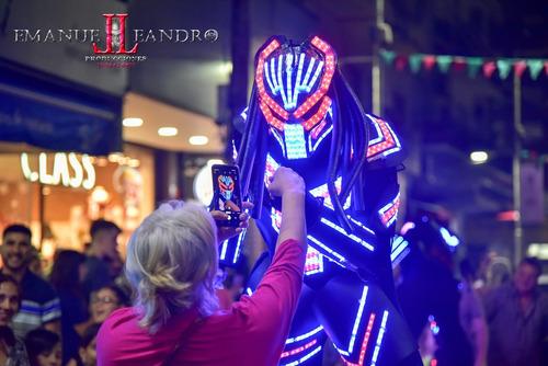 traje robot de led. robot luminoso.