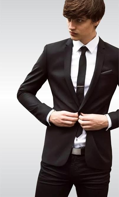 Traje Slim Fit + Camisa + Corbatín -   2.600 daa50679ee5