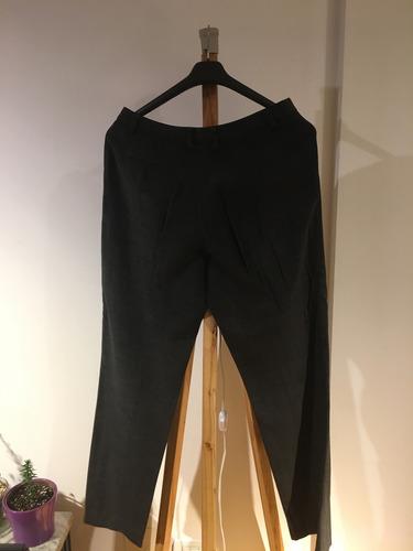 traje vitamina mujer gris pana pantalon y saco con capucha