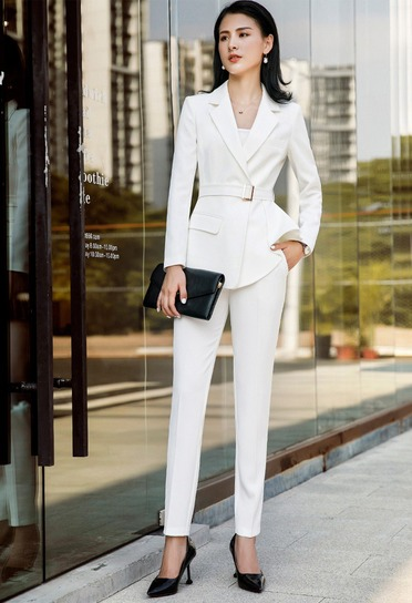 d52a0fa5f Trajes De Mujer Blazer + Pantalón Entubado Elegancia Sensual - U S ...