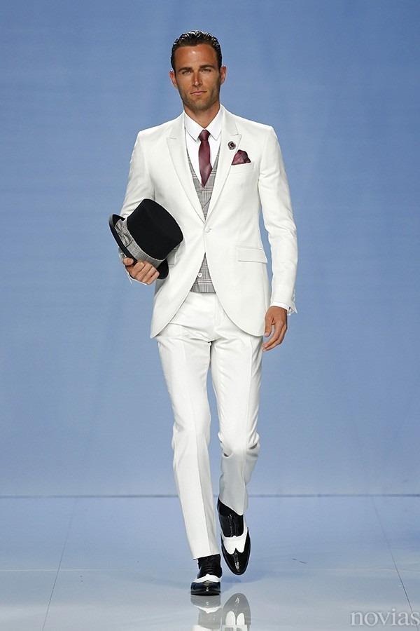 f30ee0708 trajes de novios elegantes modernos. Cargando zoom.