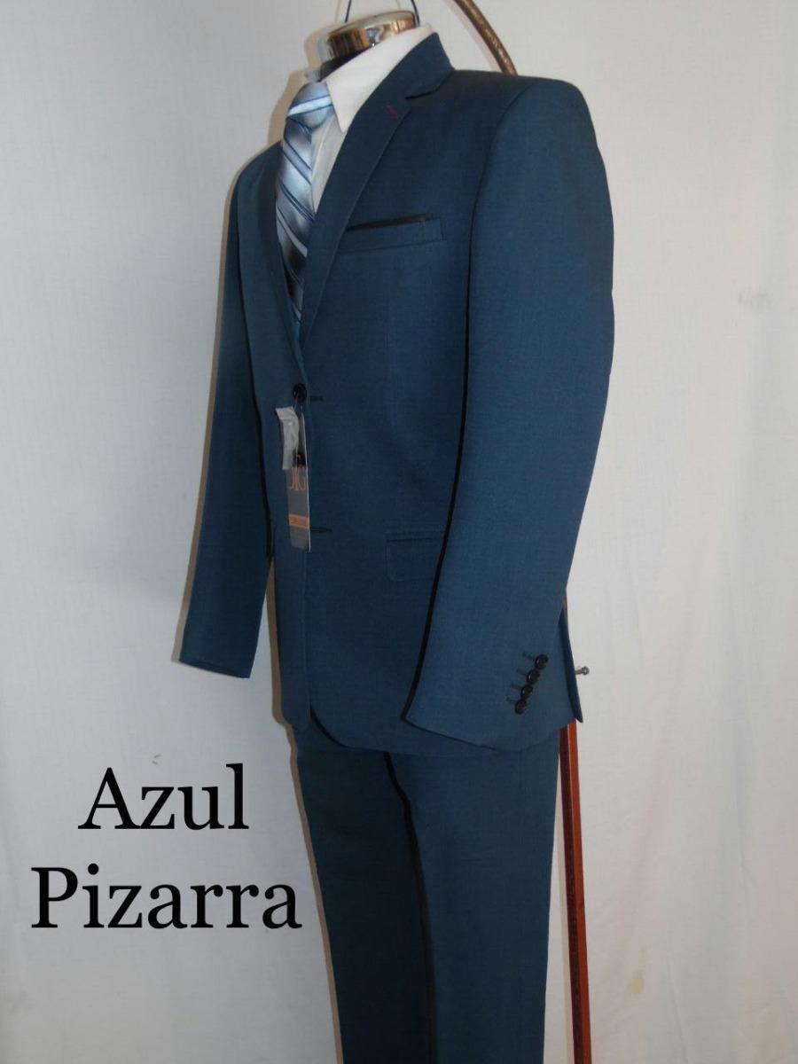 Descubre la ultima colección de trajes y esmoquin para hombre. Visita la tienda en línea de Zegna y elige entre nuestros modelos hechos de lana.