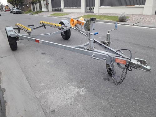 traker 450 c/ yamaha enduro 25hp y trailer