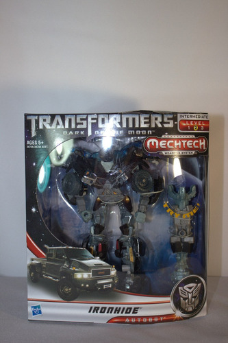 transformer optimus prime, bumblebee, ironhide, skyhammer