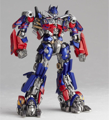 transformer robot optimus prime se convierte en tractomula