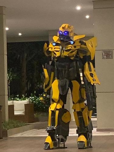 transformers bumblebee robo vivo para festas