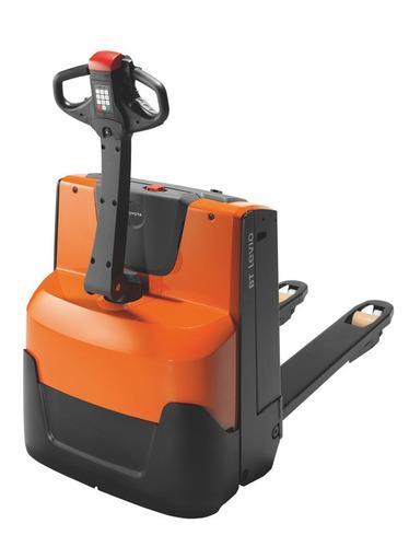 transpaleta eléctrica toyota bt lwe200 + batería + cargador