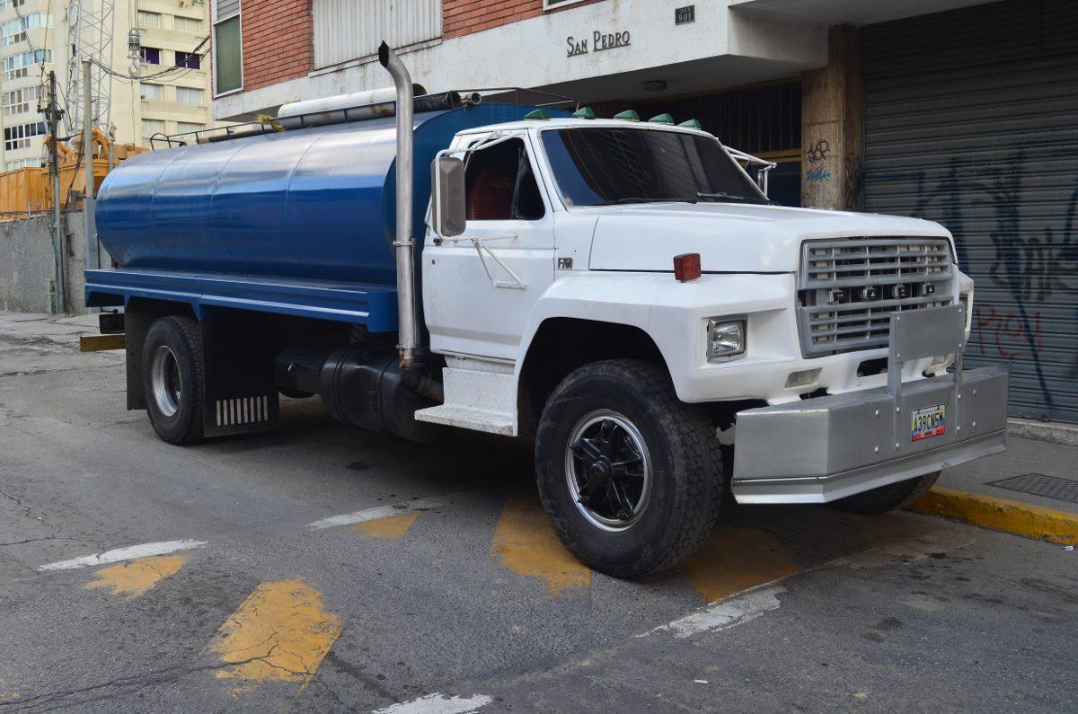 Transporte agua potable cami n cisterna en mercado libre for Cisterna de agua precio