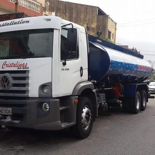transporte de água com caminhão pipa aguas da fontte
