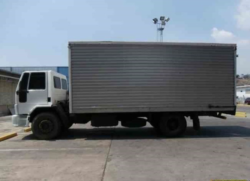 transporte de carga pesada a nivel nacional.