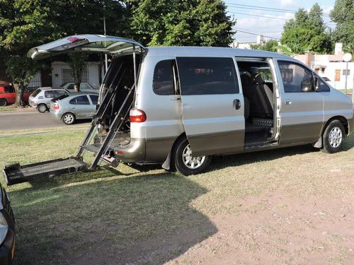 transporte de discapacitados en su silla de ruedas