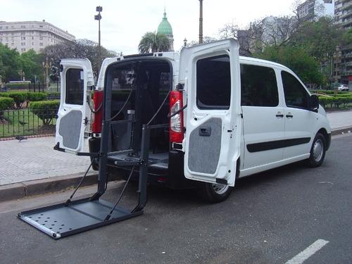transporte discapacitados, traslados personas silla de rueda