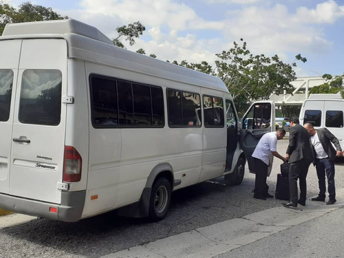 transporte ejecutivo y algo mas