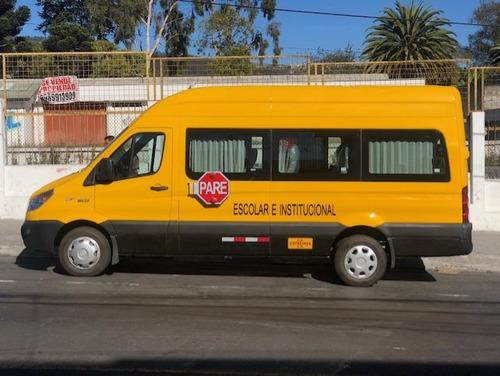 transporte institucional