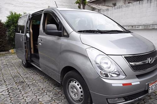 transporte turístico ecuador alquiler buses furgonetas autos