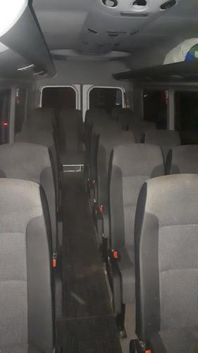 traslado de pasajeros en combis