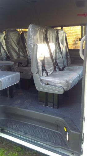 traslados - transporte de pasajeros en van combi o minibus.