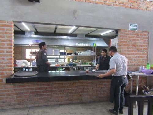 traspaso restaurante frente al estadio de chivas en vallarta