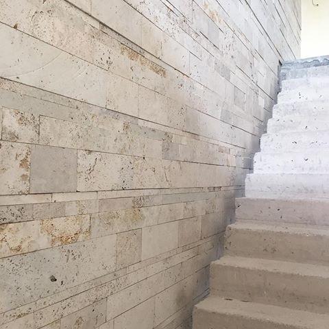 travertino marmeta rustico pisos y revestimiento