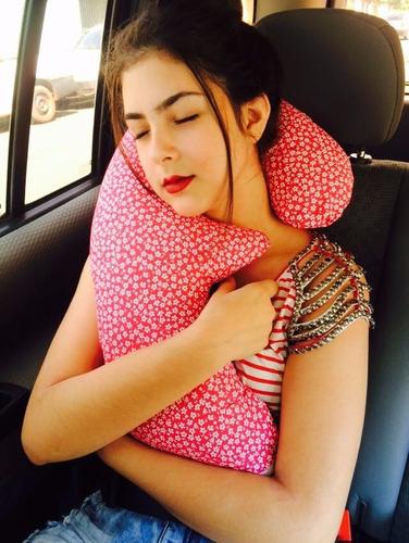 travesseiro super conforto  viagem 70 cm x 35 cm