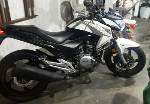 traxx 250 cc em ótimo estado