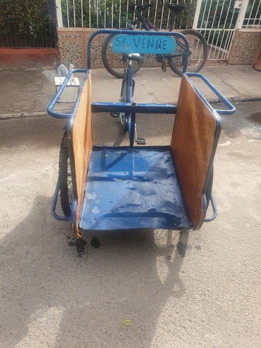 treciclo azul