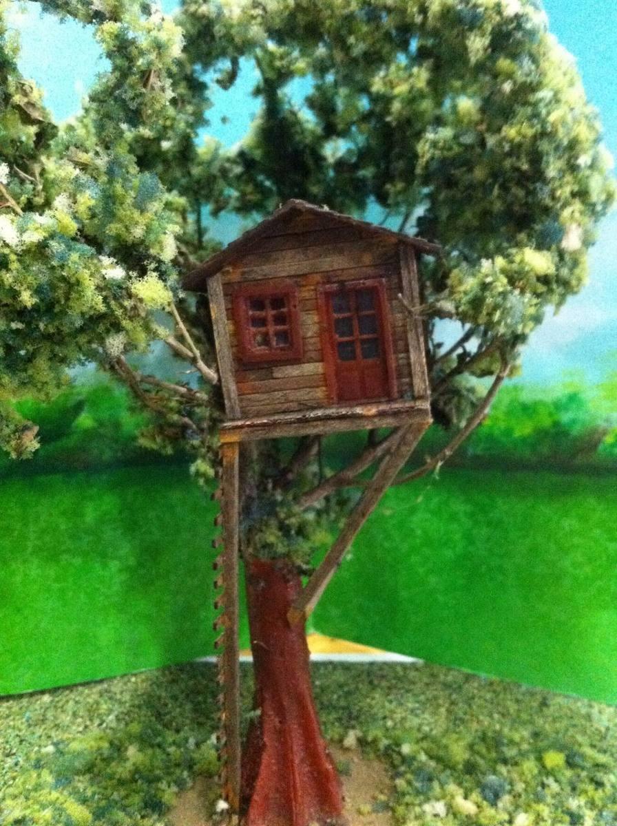 Tren casa del arbol madera ho maqueta trenes arquitecto js for Casa en el arbol cuenca