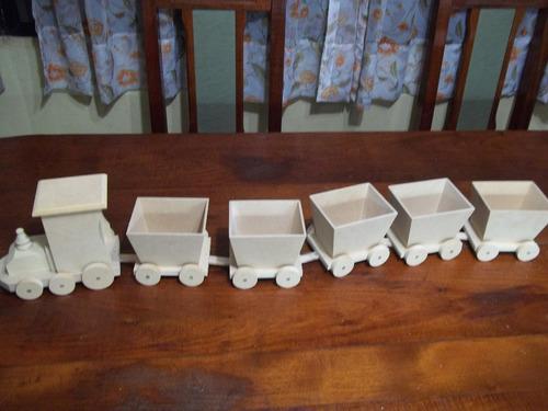 tren fibrofacil con 5 vagones  para decoracion candy bar