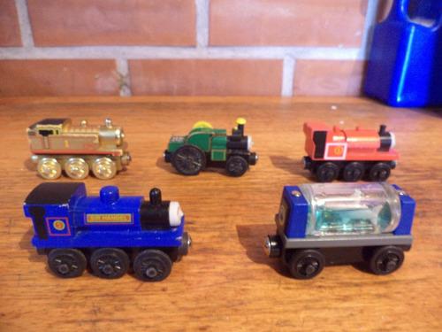 trenes de thomas con imanes son de madera
