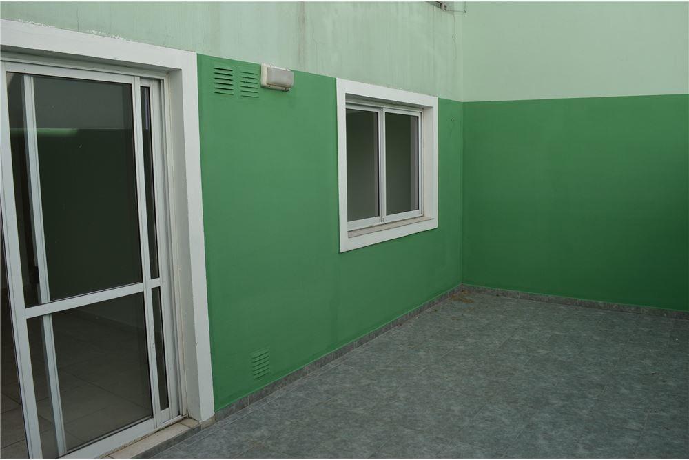 tres ambientes c/ patio balcón laundry exc estado
