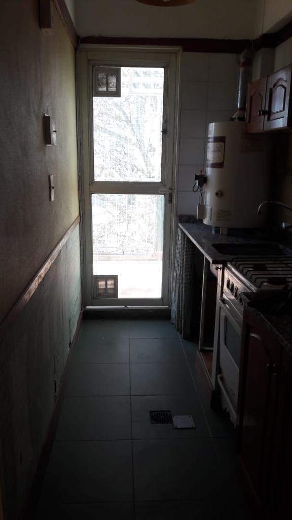 tres ambientes en villa crespo. dueño directo. oportunidad!!