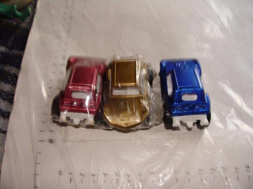tres carritos de plastico